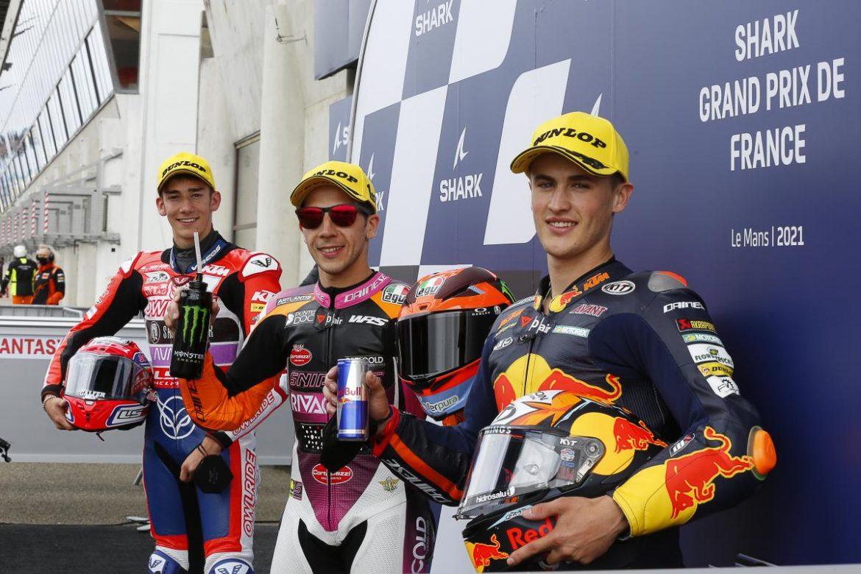 Andrea Migno consigue la 'pole'; Rossi 2º y Masià 3º