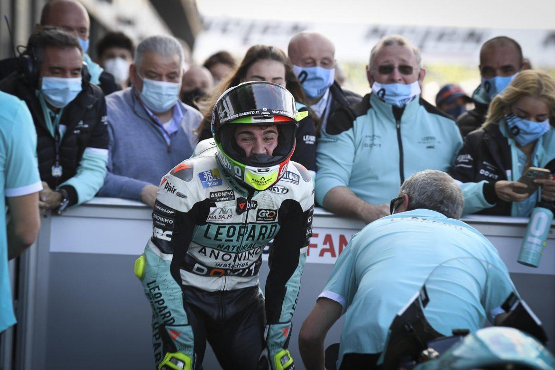 Dennis Foggia retrasa el desenlace del título de Moto3